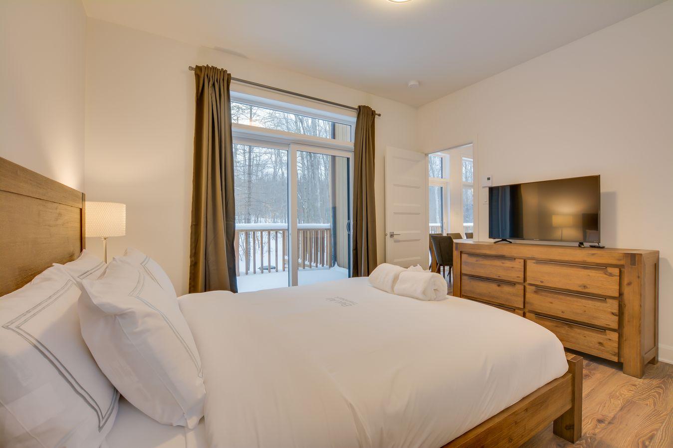 bedroom-one-2