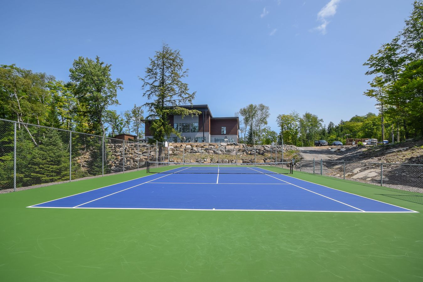 hotels in Tremblant with tennis