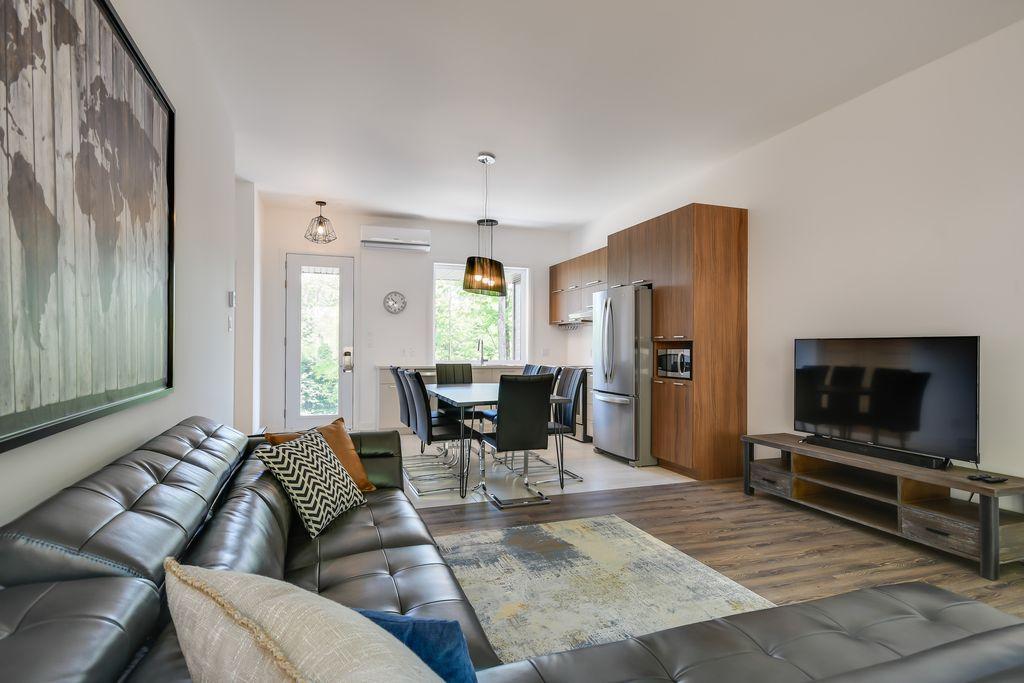 lily-blue-livingroom
