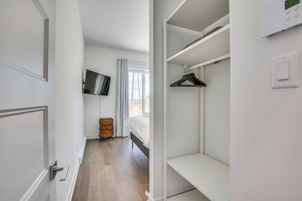 master-bedroom-1-closet